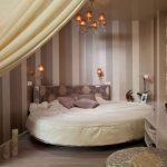 Круглая кровать для маленькой спальни