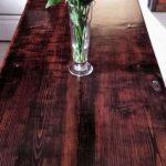 Кухонный стол из двери и старых досок