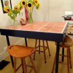 Кухонный столик со столешницей из плитки