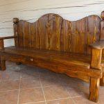 Массивная длинная скамейка