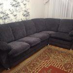 Мягкий серый диван после обновления
