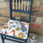 Мягкий стул с детским оформлением