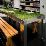Необычный стол с газоном