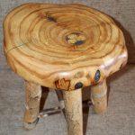 Необычный табурет из дерева