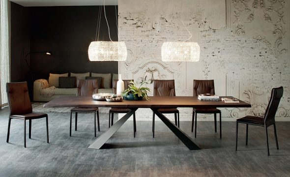Нестандартный современный обеденный стол