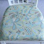 Новая обивка старого стула