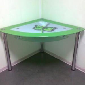 Обеденный угловой стол