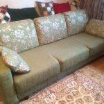 Оливковый обновленный диван