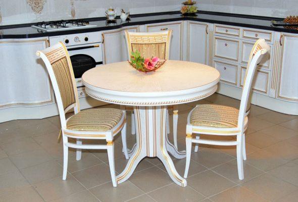 Оригинальный круглый обеденный стол