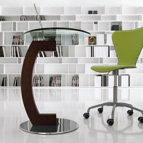 Оригинальный столик в динамичном дизайне