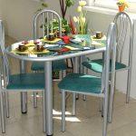 Овальный стол и стулья с металлическими элементами