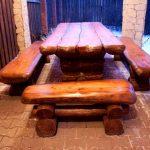 Подходящий комплект мебели из дерева для беседки