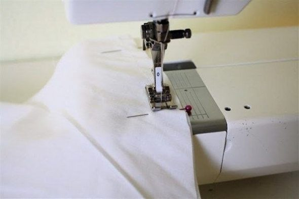 Соединяем швейной машинкой