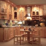 Шикарная кухня из массива дерева