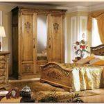 Спальня из натурального дерева