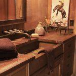 Стилизованная мебель для ванной комнаты
