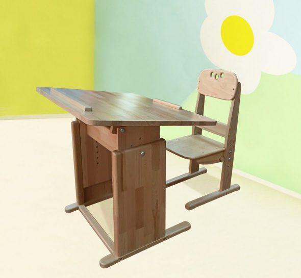 Стол и парта для школьника, изготовленная своими руками