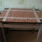 Стол с мозаикой из плитки