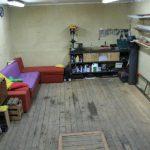 Удобные стеллажи и полки в гараже