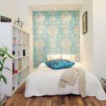 Узкая маленькая спальня
