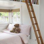 Встроенная детская кровать в нише