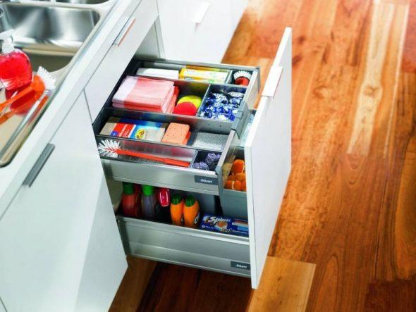 Выдвижные полки для кухни