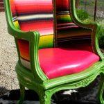 Яркий полосатый стул после реставрации