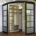 Встроенный угловой шкаф-гардеробная