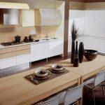 Бежевый и белый для кухни в современном доме