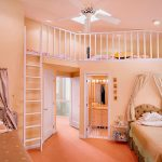 Комната для девочек с местом отдыха под потолком