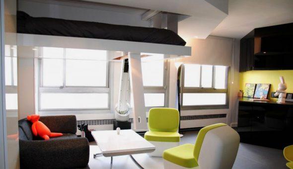 Кровать под потолком в смарт квартире