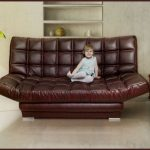 Кожаный диван с механизмом клик-клак