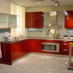 Красная кухня в современном стиле