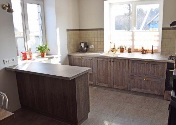 Кухня из массива лиственницы