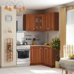 Маленький угловой комплект мебели для кухни