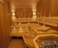 Скамейки в бане в два яруса ручной работы