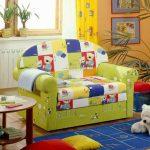 Яркий детский диванчик