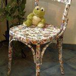 Красивый обновленный стул в технике мозаика