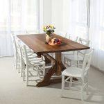 Кухонный деревянный стол