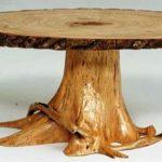 Стол из пня и среза дерева