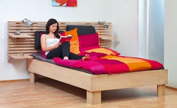Красивая и удобная деревянная кровать