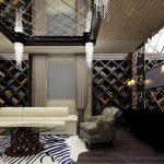 Оригинальная гостиная с зеркальным потолком
