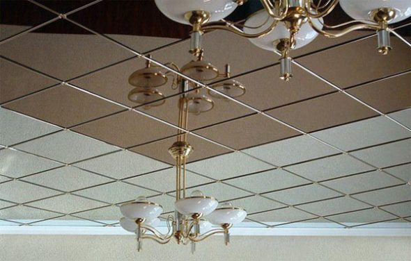 Подвесной зеркальный потолок