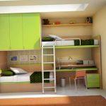 Двухъярусная кровать со смещением, встроенная в шкаф