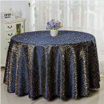 Красивая синяя скатерть с завитками из синтетических материалов