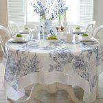 Льняная скатерть для овального стола