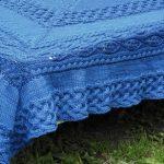 Плед-покрывало на кровать синего цвета