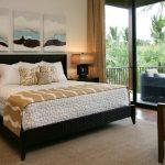 Покрывало для кровати с необычной текстурой