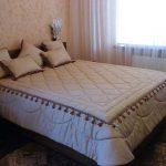 Прочное и тяжелое покрывало на кровать с бахромой