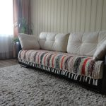 Самодельная тканная дорожка-покрывало на диван в гостиную